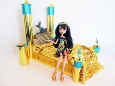 How to make a Cleo De Nile doll bed Tutorial/ Monster High.