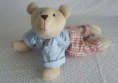Ursinhas para decoração de quarto infantil. Medidas: Altura: 39 cm - Largura: 43 cm Teddy Bear, Toys, Animals, Fabric Dolls, Bedroom Decor, Activity Toys, Animales, Animaux, Clearance Toys