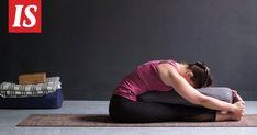 Restoratiivisesta joogasta juurensa juontavat asennot voivat elvyttää ja rentouttaa kehoa ja mieltä. Bean Bag Chair, Wellness, Exercise, Workout, Health, Ejercicio, Health Care, Work Out, Beanbag Chair