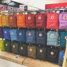 Shop Fjallraven backpack Sale in Fjallraven outlet store, including Fjallraven backpack and Kanken backpack. Mochila Kanken, Mochila Jansport, Mini Mochila, Cute Backpacks, School Backpacks, Popular Backpacks, Noora Style, Aesthetic Backpack, Accesorios Casual