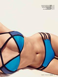 06 ANKA Haziran-Temmuz 2012  MAVİLİKLER ARASINDA    Lacivert-mavi bikini üst,46TL. Penti  Lacivert-mavi bikini alt, 32 TL. Penti  Bileklik, 24 TL. Hotiç  Küpe, 64.50 TL. Accessorieze