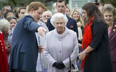 Chelsea Flower Show 2013: Queen and Royal family visit - Telegraph