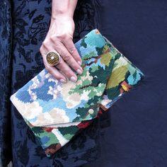 L'Edith, Pochette en Canevas & Tapisserie Vintage Porté Main : Sacs à main par le-shop-de-moz