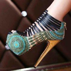 Stylish Tribal Platform Heels