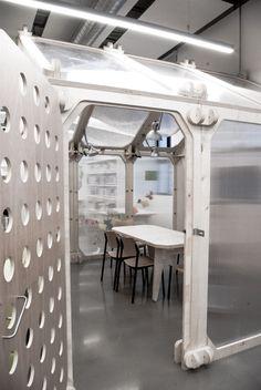Invernaderos de creación epara artistas. Sistema modular que permite crear…