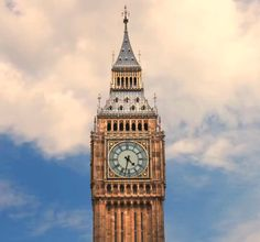 One of the icons of the world is Big Ben. Right now I think under construction but here is a time lapse that I took last year. City Hall London, London City Guide, London City Airport, London Map, London Travel, London Photography, City Photography, Big Ben Clock, City Map Poster