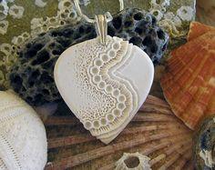 Mairi Stone & Georgie too par mairistone Ceramic Wall Art, Ceramic Pendant, Polymer Clay Pendant, Polymer Clay Art, Polymer Clay Jewelry, Clay Earrings, Metal Clay Jewelry, Ceramic Jewelry, Ceramic Beads
