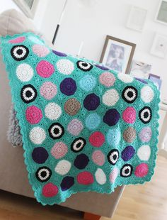 Lovely crocheted circles blanket but no pattern since the link for the blog post shows an error :( anyone know the pattern?