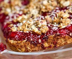 Buttery Apple Streusel Oat Squares — Oh She Glows Pecan Desserts, Pecan Recipes, Healthy Desserts, Bar Recipes, Healthy Eats, Recipies, Pumpkin Pie Oatmeal, Pumpkin Butter, Quick Bread Recipes
