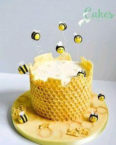 So creative...pic via @247naijacakeaffairs #bees #cakeart #cakeinspiration #forkids #loveit #yummy