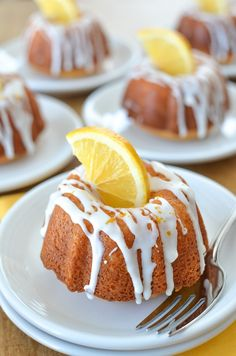 These mini lemon bundt cakes are the perfect dessert for your next Friday Night Dinner because they aren& king sized candy bars. Great Desserts, Mini Desserts, Best Dessert Recipes, Breakfast Recipes, Dairy Free Treats, Dairy Free Recipes, Pound Cake Recipes, Cheesecake Recipes, Recipe For Mini Bundt Cakes