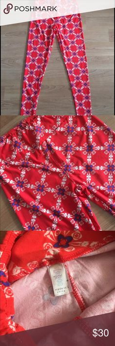 Lularoe leggings diamond floral print one size Lularoe leggings!!! Buttery soft with wide waistband. One size. In great condition! Thanks! LuLaRoe Pants Leggings