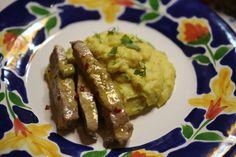 Tiras de Porco com Mostarda - Coma acompanhado com um puré de batata de caril. http://grafe-e-faca.com/pt/receitas/carne/tiras-de-porco-com-mostarda/