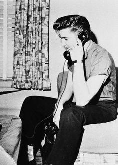 Elvis Presley in San Diego, California, June Graceland Elvis, Young Elvis, Elvis Presley Photos, Psychobilly, Big Love, Most Beautiful Man, Popular Culture, Memphis, Rock N Roll