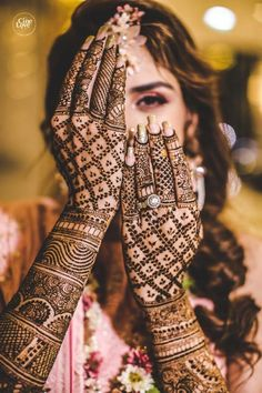 Arabic Bridal Mehndi Designs Collection A trend of putting Mehndi's is escalating. Indeed Mehndi has something very appealing about it Henna Hand Designs, Dulhan Mehndi Designs, Mehandi Designs, Arabic Bridal Mehndi Designs, Mehndi Designs Finger, Unique Mehndi Designs, Mehndi Design Images, Beautiful Mehndi Design, Mehndi Designs For Hands