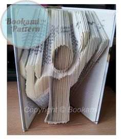 Bookami™ 'Weight Lifting' Book Folding/Bookfolding Pattern' (391 Pages/196 Folds) + Free Tutorial!