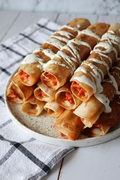 Sprøde Pizza Taquitos – One Kitchen – A Thousand Ideas Healthy Meals For Kids, Healthy Snacks, Healthy Recipes, Healthy Fruits, Tapas, Mexican Food Recipes, Dessert Recipes, Greasy Food, Food Porn