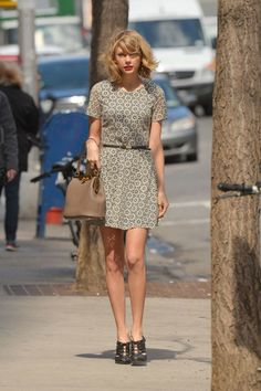 27 Hottest Taylor Swift Looks That'll Make You Want to Start Wearing Dresses ASAP ...