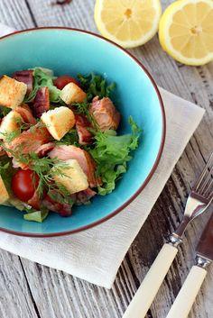 Pata porisee: Savulohi- pekonisalaatti