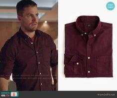 Oliver's burgundy button front shirt on Arrow.  Outfit Details: https://wornontv.net/52483/ #Arrow