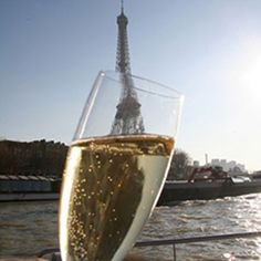 A Seine River Cruise with a private room, and 3 glasses of Champagne! A great alternative to the overcrowded, sheepish Seine River Cruises in Paris. Private Yacht, Private Room, Seine River Cruise, Champagne Bar, Romantic Vacations, Eurotrip, Paris France, The Incredibles, Cruises