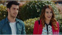 Fox TV yayınlanan Kiraz Mevsimi dizisinde Burcu Meltem Uyar karakterini canlandıran Nihal Işıksaçan'ın 14. bölümünde giydiği puantiyeli gömle