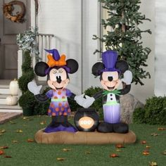 Outdoor Yard Decor Airblown Inflatable Mickey and Minnie with Cauldron Scene