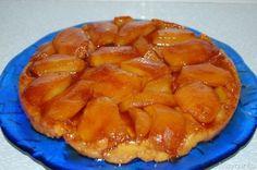 La Tarte Tatin e' la favolosa torta di mele rovesciata francese che si dice essere nata per uno sbaglio fatto da una delle sorelle Tatin che nel