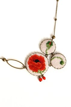 Asymmetrical hand-embroidered Poppy necklace - Red flower jewelry - Poppy necklace - Red and green - Cross stitch necklace