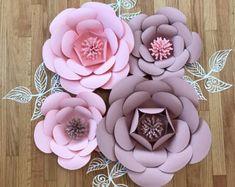 Gran papel flor pared/telón de por ArielleEliseDesigns en Etsy