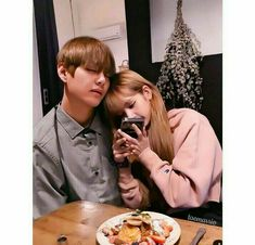 How sad :( I showed him the picture and he was sleeping. Bts Jungkook And V, Blackpink And Bts, Kpop Couples, Cute Couples, K Pop, Bts Girl, Photoshop Me, Bts Imagine, Ulzzang Couple