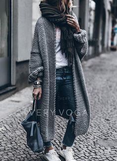Pulls à manches longues - OOTD Inspo- Cute Outfit Ideas - Modes Long Sweaters For Women, Coats For Women, Clothes For Women, Ladies Coats, Winter Clothes Women, Snow Clothes, Cardigans For Women, Casual Winter Outfits, Women's Casual