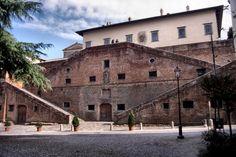 http://it.wikipedia.org/wiki/Villa_medicea_di_Cerreto_Guidi