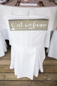Robe de mariage : Mariage Bonifacio {Oh Happy Day – Mariage en Corse} Hochzeitskleider 2019 - wedding Photo Wedding Reception Themes, Wedding Table, Our Wedding, Wedding Decorations, Dream Wedding, French Wedding, Spring Wedding, Chalkboard Wedding, Wedding Dresses Photos