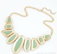 Classic Delicate Irregular Round Resin Gold Plating Alloy Pendants Necklaces Fashion Jewelry
