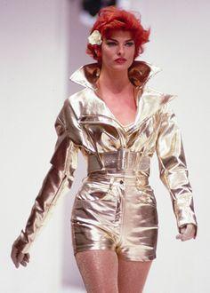 b30001a2df88f4 Linda Evangelista, Dolce & Gabbana Spring 1992 Pinstripe Suit, Linda  Evangelista, Pictures,
