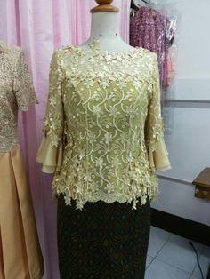 African Fashion, Indian Fashion, Womens Fashion, Model Kebaya, Dress Brokat, Thai Dress, Modest Wear, Blouse Dress, Mother Of The Bride