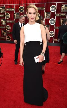 Pin for Later: The Fashion Choices at the SAG Awards Deserve 5 Stars Sarah Paulson Sarah Paulson looked sleek and modern in a black-and-white Armani Prive colorblock dress, David Webb jewels, and Brian Atwood shoes.
