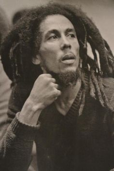 Me can't be prejudice. Me can't me no think of life that way. Because, me figure if you prejudice, that mean you have a hate. If you have a hate inside of you, you can't be righteous. Bob Marley Legend, Reggae Bob Marley, Bob Marley Shoes, Jamaica, Bob Marley Pictures, Marley Family, Rasta Man, Marley And Me, Jah Rastafari