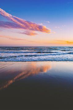 Rapid hope loss Launch your own makeup line. Sky Sea, Sea And Ocean, Paradise Landscape, Costa, Newport Beach California, Diamonds In The Sky, Pretty Sky, Beach Aesthetic, Beautiful Sunrise
