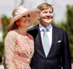 Koning onder indruk van Friese noordwesthoek (fotoserie) -  Koning Willem-Alexander en koningin Máxima maandagmiddag in Harlingen. beeld ANP
