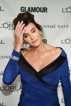Pin for Later: Caitlyn Jenner's Royal Blue Gown Is Proof She Knows What Works For Her  Caitlyn wore a chain-link diamond bracelet over the sleeve of her dress.