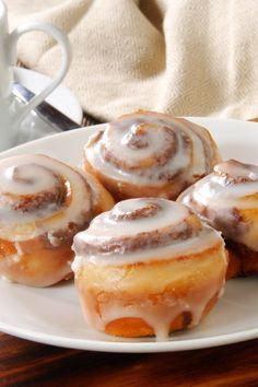Weight Watchers Mini Cinnamon Rolls with Cream Cheese Frosting Recipe Using Refrigerated Breadstick Dough - 6 WW SmartPoints