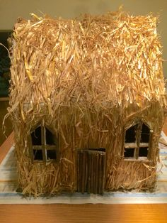 3 little pigs straw house