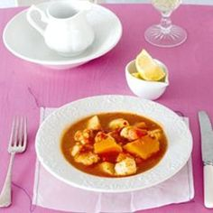 Spicy fish stew (one-pot meal) Mixed Vegetables, Roasted Vegetables, Spicy Stew, Easy Weekday Meals, Tinned Tomatoes, Fish Stew, Rice Wine, One Pot Meals, Soups And Stews