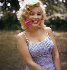Norma Jean - Style Crush http://makeupmastermind.blogspot.co.uk/2014/04/style-crush-norma-jean.html #marylin #monroe #normajean