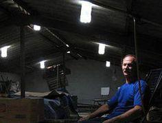 Il meccanico che ha inventato la luce in bottiglia, ma è rimasto povero