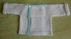 CHAPITRE 14 - Tricoter une brassière niveau débutante, en un seul morceau. Modèle gratuit. - L'atelier tricot de Mam' Yveline. Baby Knitting Patterns, Baby Patterns, Creative Knitting, Bebe Baby, Doll Clothes Patterns, Crochet Flowers, Sweaters, Agate, Debutante
