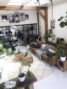 Ideas apartment living room decor on a budget modern house design Room Furniture Design, Interior Design Living Room, Interior Colors, Wooden Furniture, Kitchen Interior, Antique Furniture, Outdoor Furniture, Home Living Room, Living Room Decor