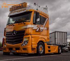 Rüssel Truck Show 2017 Big Rig Trucks, New Trucks, Cool Trucks, Mb Truck, Hot Black Women, Mercedes Benz Trucks, Cool Sports Cars, Lego Technic, Peterbilt